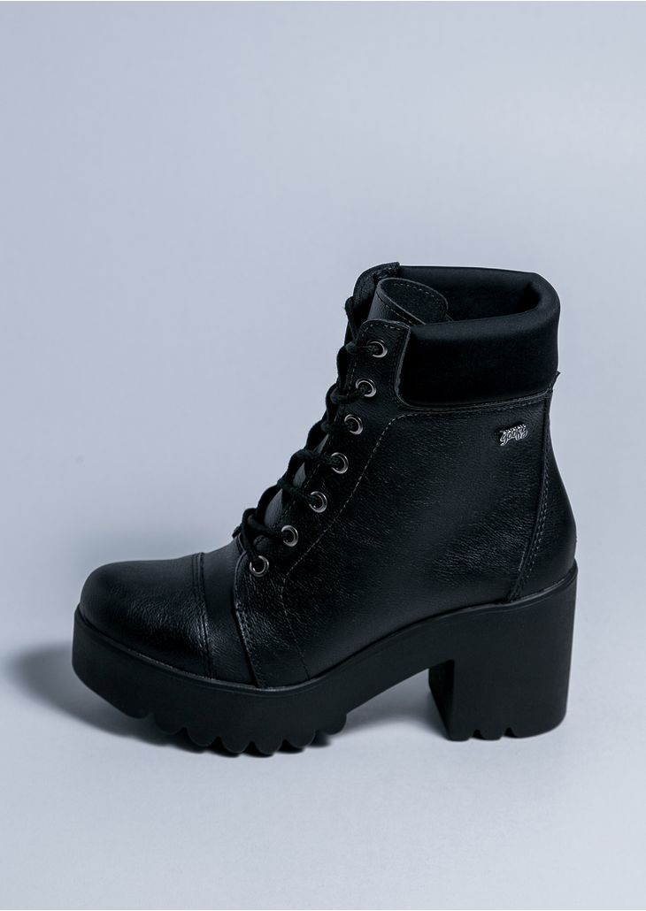 Vika-Black